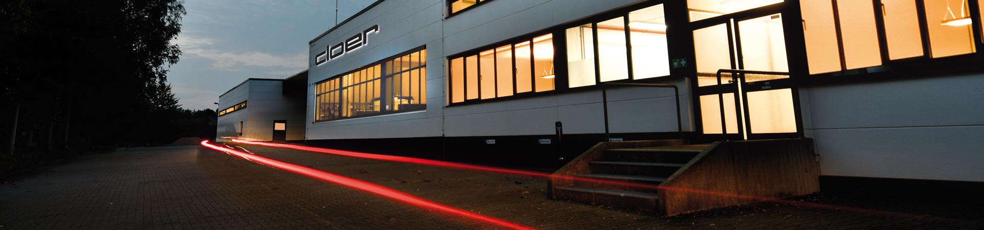 Außenansicht des Firmengebäudes der Cloer Elektrogeräte GmbH in Arnsberg.